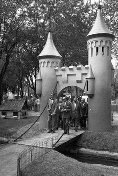 Montréal en Histoires Quebec Montreal, Expo 67, Entertainment Sites, Photo Archive, Far Away, Hui, Photos, Photographs, The Past
