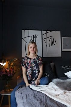 Solgunn gir oss 5 tips til hvordan man kan få et skikkelig koselig soverom🥰 Couple Texts, Master Bedroom Design, Valentine Decorations, Cozy Bedroom, Picture Design, Valentine Gifts, Paint Colors, Poster Prints, House Design