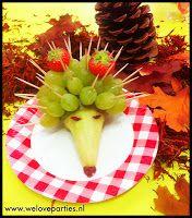 Feestje, Feest, FEESTELIJKST...: Gezonde traktatie... Egel van peer en druiven