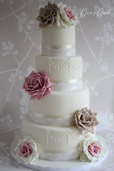 Vintage Rose wedding cake by Cotton and Crumbs, via Flickr