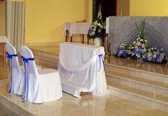 Church Aisle Decorations, Wedding Chair Decorations, Wedding Chairs, Wedding Table, Home Wedding, Wedding Church, Design, Grooms Table, Flower Arrangements