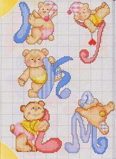 Adesso arrivano un po' di alfabeti con i miei amatissimi orsetti...                                                                        ...