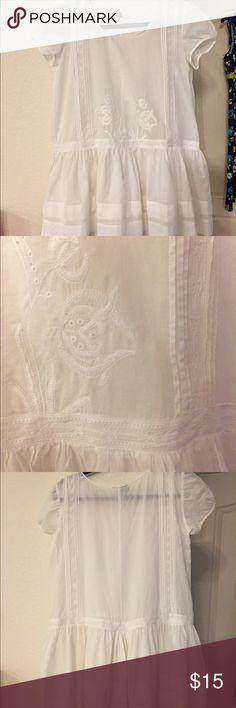 "Anthro Blouse White Anthropologie brand ""Lithe"" Cotton Blouse. Size: 6 Anthropologie Tops Blouses"