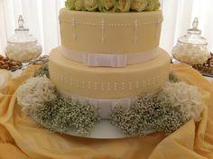echter Blumenschmuck für die Torte Cupcakes, Desserts, Food, Flower Jewelry, Wedding Pie Table, Pies, Tailgate Desserts, Cup Cakes, Dessert