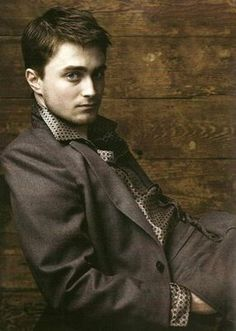 Daniel Radcliffe // Annie Leibovitz he looks quite hot in this!