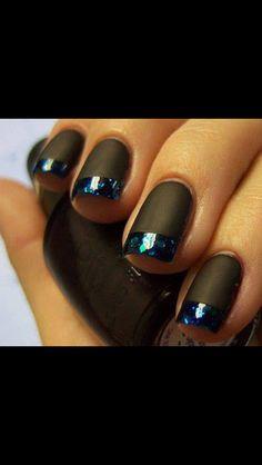 Vamp glam nails