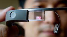 Lentes inteligentes Google Glass se venderían este año a 600 dólares http://www.audienciaelectronica.net/2014/01/03/lentes-inteligentes-google-glass-se-venderian-a-600-dolares/