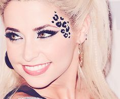 gorgeous makeup with cheetah print. must learn how