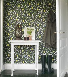 Sandberg Wallpaper, Amalfi, I am not in any way a fan of wallpaper but, I am in with this. Amalfi, Creating An Entryway, Bold Wallpaper, Hallway Wallpaper, Wallpaper Patterns, Graphic Wallpaper, Small Entryways, Inspiration Boards, Decoration