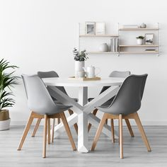 Scandinavian Dining Table, Small Apartment Interior, Kitchen Organisation, Living Room Decor Cozy, White Interior Design, Decorating Small Spaces, Dining Room Design, Home Furniture, Kitchen Decor