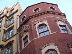Perfekt sanierter Altbau mit Klinkerfassade im Galataviertel im Istanbuler Stadtteil Beyoglu am Bosporus