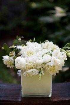 White on white. merci-beaucoup-bouquet
