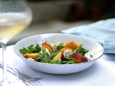 peach, arugula, feta salad from Tastespotting