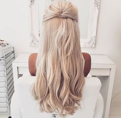 HOT FOR HIM We're done in this perfect hair shot with the @ pbhairuniverse clip. Wedding Hairstyles For Long Hair, Up Hairstyles, Pretty Hairstyles, Summer Hairstyles, Good Hair Day, Great Hair, Balayage Blond, Gorgeous Hair, Beautiful
