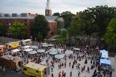 Meet Me at The Plaza: New Seats, New Scene at Harvard University - Project for Public Spaces Contemporary Landscape, Urban Landscape, Landscape Design, Poket Park, Project For Public Spaces, Harvard Yard, Plaza Design, Public Realm, Urban Planning