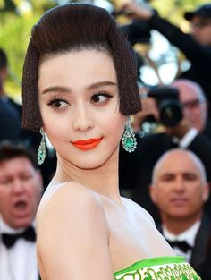 Bing Bing at #Cannes Film Festival 2012 makeup style    Don't know who she is but love that lip!