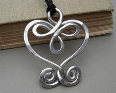 Pendentif gros coeur celtique aluminium coeur par nicholasandfelice
