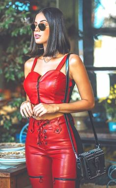 Like Beauty Life fo Keep Cover Leather Pants Outfit, Leather Tights, Tight Leather Pants, Leather Dresses, Red Leather, Sexy Outfits, Casual Outfits, Fashion Outfits, Lederhosen Outfit