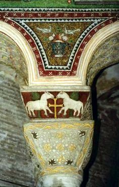 Arte e storia. - Arte bizantina a Ravenna Ancient Greek City, Byzantine Architecture, Cultural Artifact, Byzantine Art, Byzantine Mosaics, Egyptian Art, Romanesque, Christian Art, Kirchen