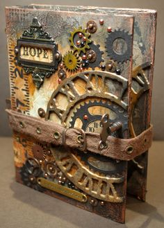 Bella's Scrappin' Space: Compendium of Curiosities 3 Challenge - Wendy Schultz ~ Altered Art Projects. Bella's Scrappin' Space: Compendium of Curiosities 3 Challenge - Wendy Schultz ~ Altered Art Projects. Design Steampunk, Mode Steampunk, Style Steampunk, Steampunk Crafts, Steampunk Fashion, Steampunk Book, Fashion Goth, Steampunk Interior, Steampunk Furniture