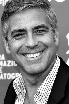 George Clooney, the heart throb has been girl's favorite since decades. Here are some very interesting facts about George Clooney which will amaze you for sure! George Clooney, Amal Clooney, Kentucky, Celebrity Smiles, Celebrity Dads, Celebrity Crush, Actrices Sexy, Ewan Mcgregor, Movie Photo