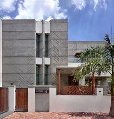 Exterior Cladding Facades House Home 28 Best Ideas Wall Exterior, Exterior Cladding, Exterior Design, Apartment Entrance, House Entrance, Bungalow Interiors, B 13, Concrete Design, Facade Architecture