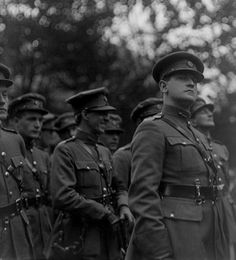 A now iconic image of Michael Collins, taking at the funeral of Arthur Griffith. Irish Republican Brotherhood, Ireland 1916, Irish People, Northern Irish, Erin Go Bragh, Michael Collins, Political Posters, Liam Neeson, Dublin