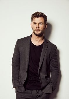 Handsome Men Quotes, Handsome Arab Men, Chris Hemsworth Thor, Snowwhite And The Huntsman, Strong Woman Tattoos, Hemsworth Brothers, Woman Sketch, Man Thing Marvel, Marvel Actors
