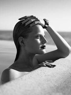 Photography by Mert Atlas and Marcus Piggott American model Guinvere van Seenus is one of the most interesting, striking and timeless beauties working today. Guinevere is of Dutch descent.