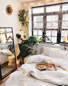 "9,996 Likes, 59 Comments - Viktoria Dahlberg (@viktoria.dahlberg) on Instagram: ""Plans cancelled - You know where to find me.. ✨ @urbanoutfitters #love #interior #uohome #nyc"""