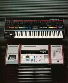 Roland Jupiter-8 and MC-4  1981  #jupiter8 #roland #mc4...