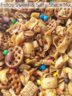 Fritos Sweet n' Salty Snack Mix - Germany Rezepte Trail Mix Recipes, Snack Mix Recipes, Snack Mixes, Xmas Recipes, Diet Recipes, Salty Snacks, Yummy Snacks, Christmas Snack Mix, Healthy Snack Foods