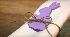 Dieci minuti esatti . Tanto ci vuole per fare questo portatovagliolo /segnaposto per il pranzo di Pasqua. Un progetto di fai da te adatto a grandi e bambini. Three... two... one... Finished! Love this super simple napkin holder, a craft which will make every Easter Sunday a special day! Can't help but love the Easter Bunny 🐇🥚