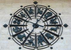 Zodiac clock by Aviatrissa(here and there), via Flickr