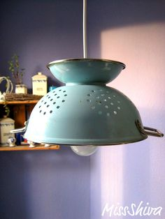 DIY Colander Lamp, doing this with old copper one!!