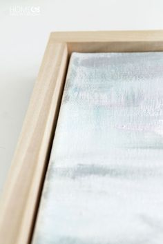 Never pay big bucks on a floating frame for your canvas art again! This easy DIY tutorial shows you how to quickly assemble your own floating frame! Floating Canvas Frame, Diy Canvas Frame, Floating Picture Frames, Frames For Canvas Paintings, Framing Canvas Art, Diy Wall Art, Diy Art, Cadre Photo Diy, Cuadros Diy