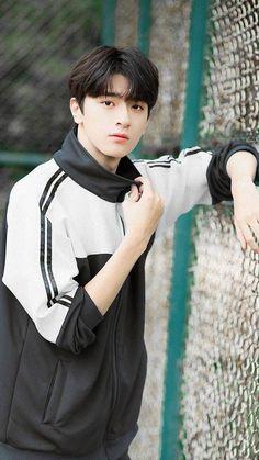 Pin by リィェン on イケメン Korean Boys Ulzzang, Cute Korean Boys, Ulzzang Girl, Cute Boys, Handsome Actors, Cute Actors, Handsome Boys, Chinese Babies, Chinese Boy