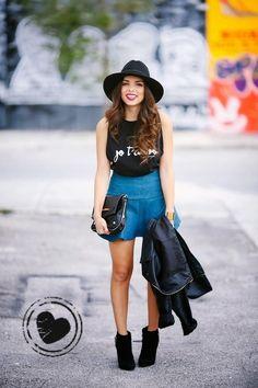 A Gente Amou – Look com t-shirt e chapéu