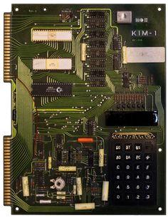 Retromobe - retro mobile phones and other gadgets: MOS Technologies KIM-1 (1976)