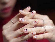 @naildesigner_hakmin 도희씨 ❤️하트네일 #네일 #네일아트 #41shop #젤네일 #청담네일 #청담동네일 #nail #nails #nailart #naildesign #nailswag #unique #koreanail #beauty #seoul #nailstagram #웨딩네일 #weddingnail #강남네일샵 #청담네일샵 #美甲 #指甲彩绘 #指甲油 #ネイルアート #ジェルネイル #ネイル #凝膠 #指甲彩繪 #指甲