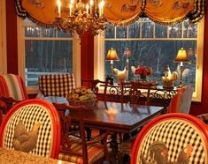 Fantastic french country decor ideas are available on our web pages. Check it out and you wont be sorry you did. French Country Dining Room, French Country Kitchens, French Country House, French Decor, French Country Decorating, Rooster Decor, Diy Décoration, Farmhouse Kitchen Decor, Kitchen Dining