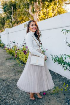Click here to see how to style a tulle skirt on Maxie Elise Blog! See this stylish layered tulle skirt outfit casual and white layered tulle skirt outfit. This is a beautiful tulle skirt outfit winter holiday to learn to style. Really nice tulle skirt outfit winter casual street style
