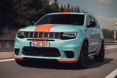 Dressing up in a fancy light blue and orange colorway, the Geigercars Jeep Trackhawk Gulf is a stunning custom SUV that also boasts upgraded internals and performance. Bronco Truck, Ford Bronco, Jeep Srt8, Mopar, Frontier Truck, Jeep Grand Cherokee Srt, Crate Motors, Terrain Vehicle, Bentley Continental Gt