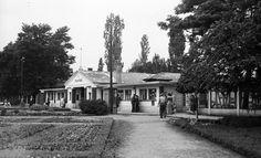 Gyógyfürdő bejárat- 1953 Old Pictures, Historical Photos, Mansions, House Styles, Outdoor, Brandenburg, Antique Photos, Historical Pictures, Mansion Houses
