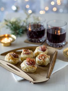 Suolaiset Joulutortturuusut Savoury Baking, Nordic Christmas, Christmas Inspiration, Mini Cupcakes, Oreo, Nom Nom, Waffles, Bakery, Good Food