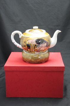 """Gustav Klimt Tee Kaffeekanne """"Der Kuss"""" beige Porzellan rund Gustav Klimt, Tea Pots, Tableware, Collection, Atelier, China China, Kiss, Dinnerware, Dishes"""