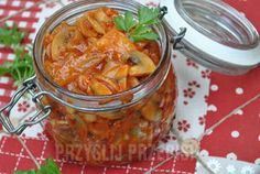 sledzie-z-pieczarkami-w-sosie-pomidorowym- My Favorite Food, Favorite Recipes, Appetizer Salads, Polish Recipes, Christmas Cooking, Fish Dishes, Seafood, Food And Drink, Yummy Food