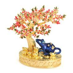 Activarea norocului in dragoste cu Florile de Piersic - Feng Shui 4Life Feng Shui, Maneki Neko, Snow Globes, Lotus, Crown, Jewelry, Home Decor, Jewerly, Lotus Flower