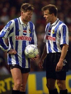 Two of the finest to have ever worn the blue and white of Wednesday. Sheffield Wednesday Wallpaper, Chris Kamara, Chris Waddle, Sheffield Wednesday Football, Sheffield United, Yorkshire England, Vintage Football, Goalkeeper, Soccer