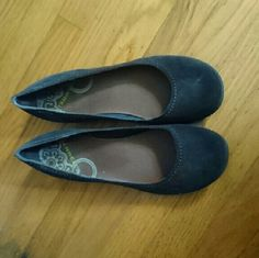 Merrell brown suede flats. Hardly used. Brown suede flats, great for office or daily use. Merrell Shoes Flats & Loafers